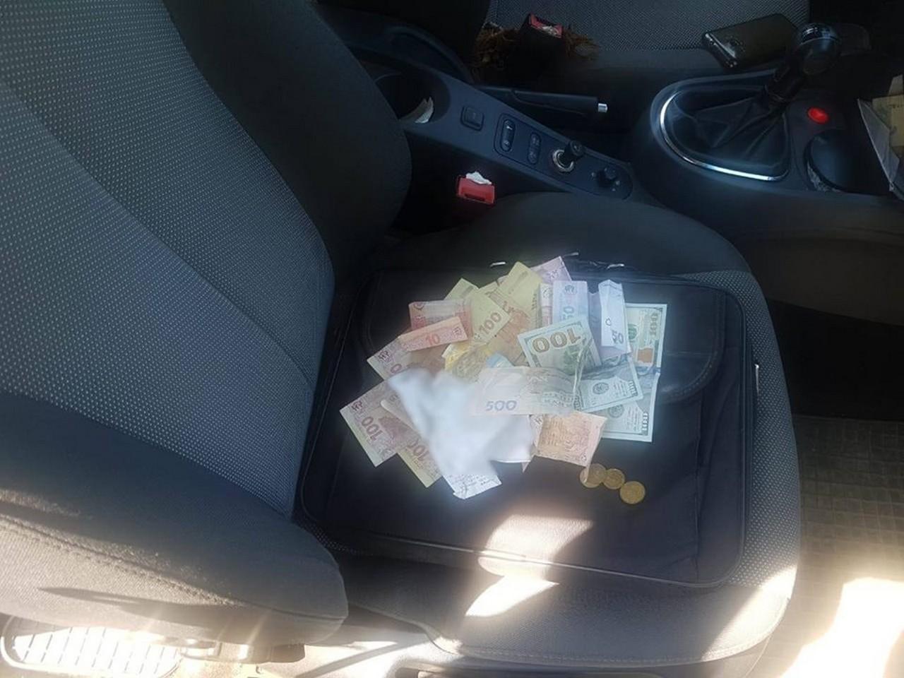 Закарпатському посадовцю голосили про підозру в отриманні хабара