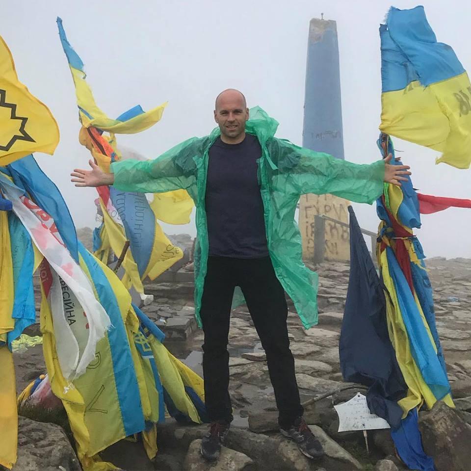 Американський блогер побував у Закарпатті та порівняв Схід і Захід України