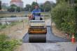 На набережній Латориці асфальтують тротуар
