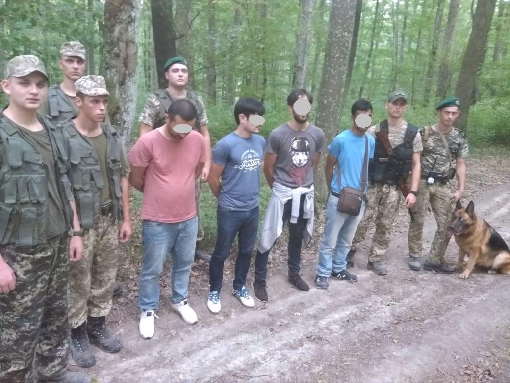 На Ужгородщині затримано кількох осіб
