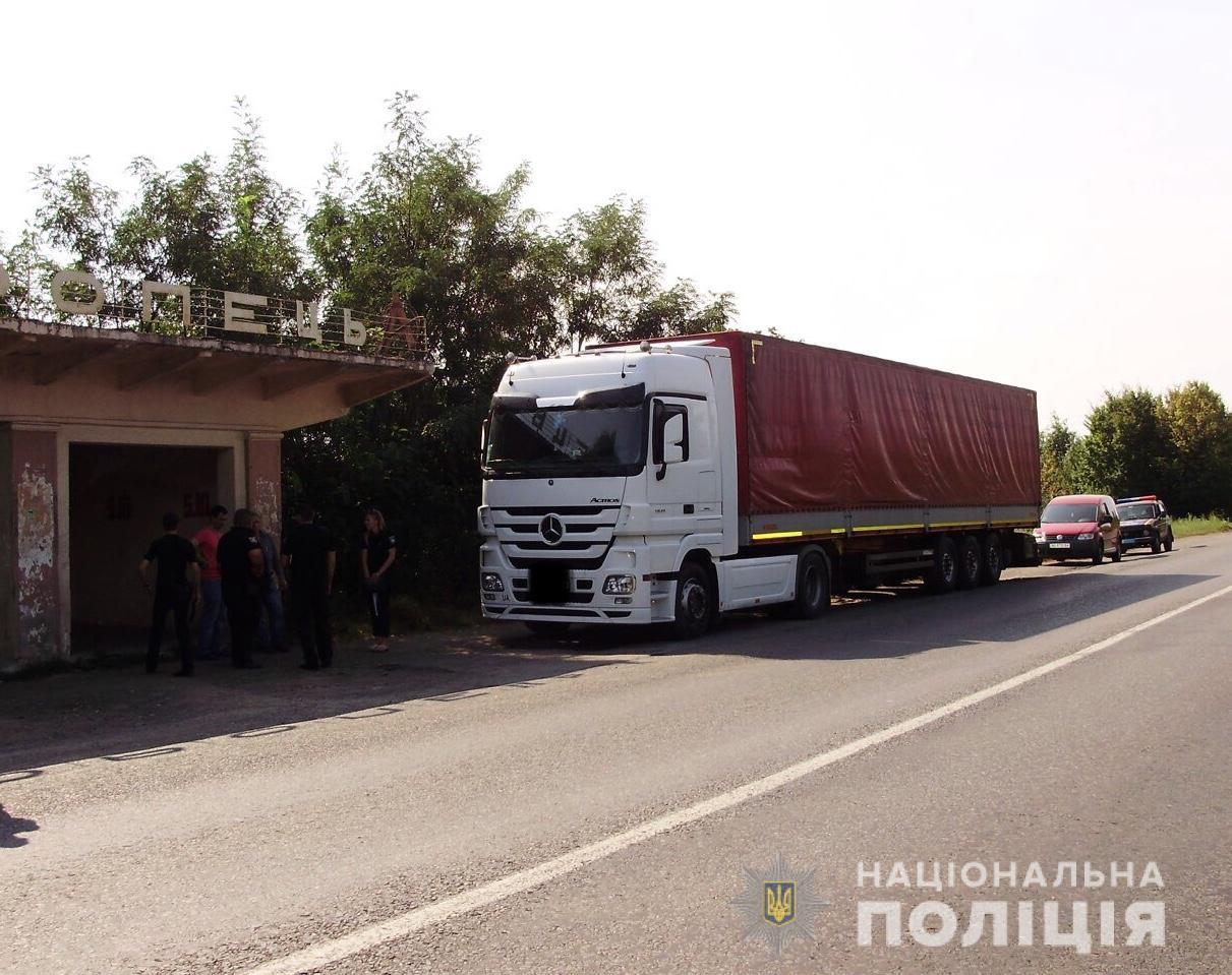 У чоловіка вкрали вантажівку