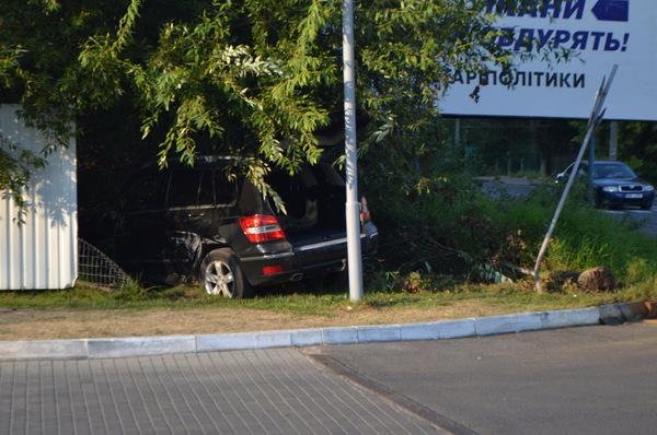 В Ужгороді автомобіль з молодими дівчатами потрапив у ДТП