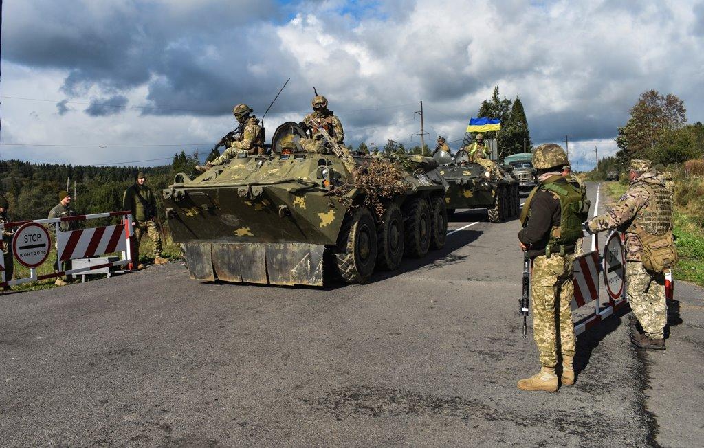 Колона військової техніки їхала на Закарпаття для проведення навчань
