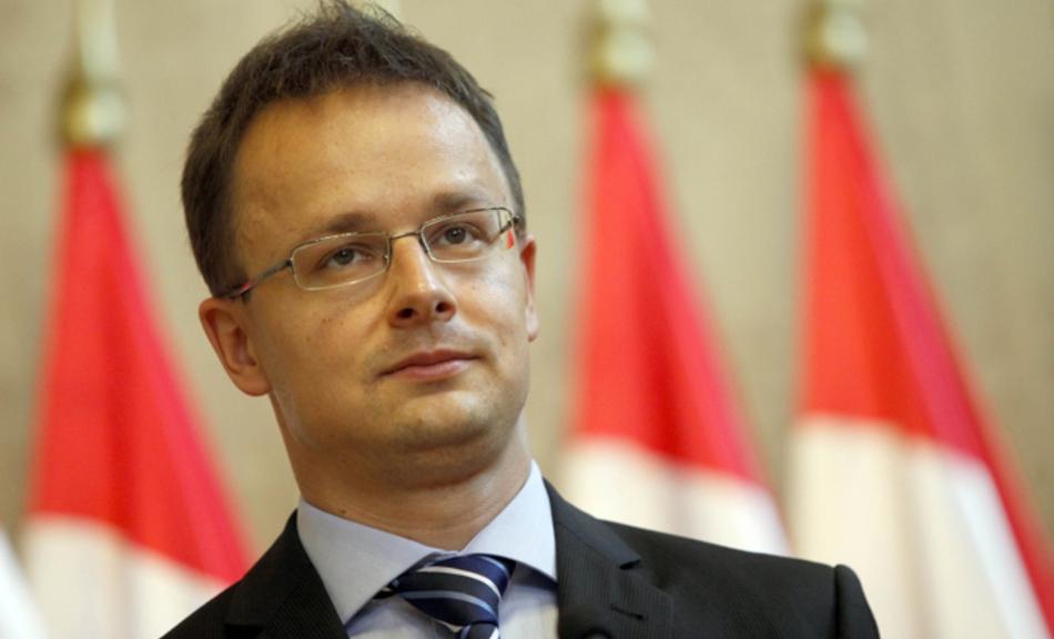 Сійярто пообіцяв негайну відповідь на висилку Україною угорського консула