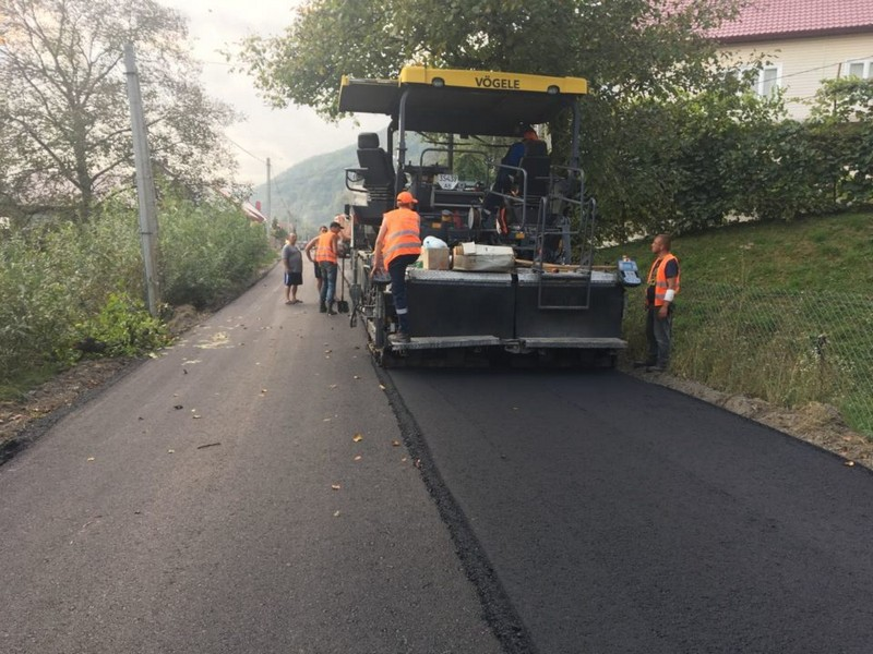 На Тячівщині ремонтують одну з найгірших доріг району