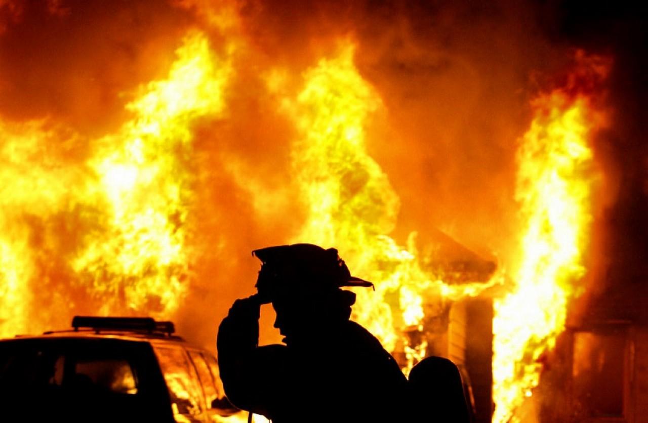 У селі Пацканьово, що на Ужгородщині, горів будинок. Під час пожежі обгорів чоловік