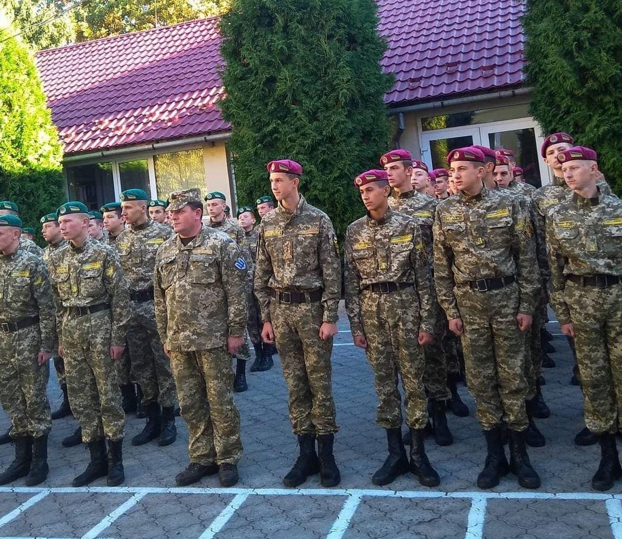 До Дня захисника України в Закарпатському військовому ліцеї, що в Мукачеві, пройшли урочистості