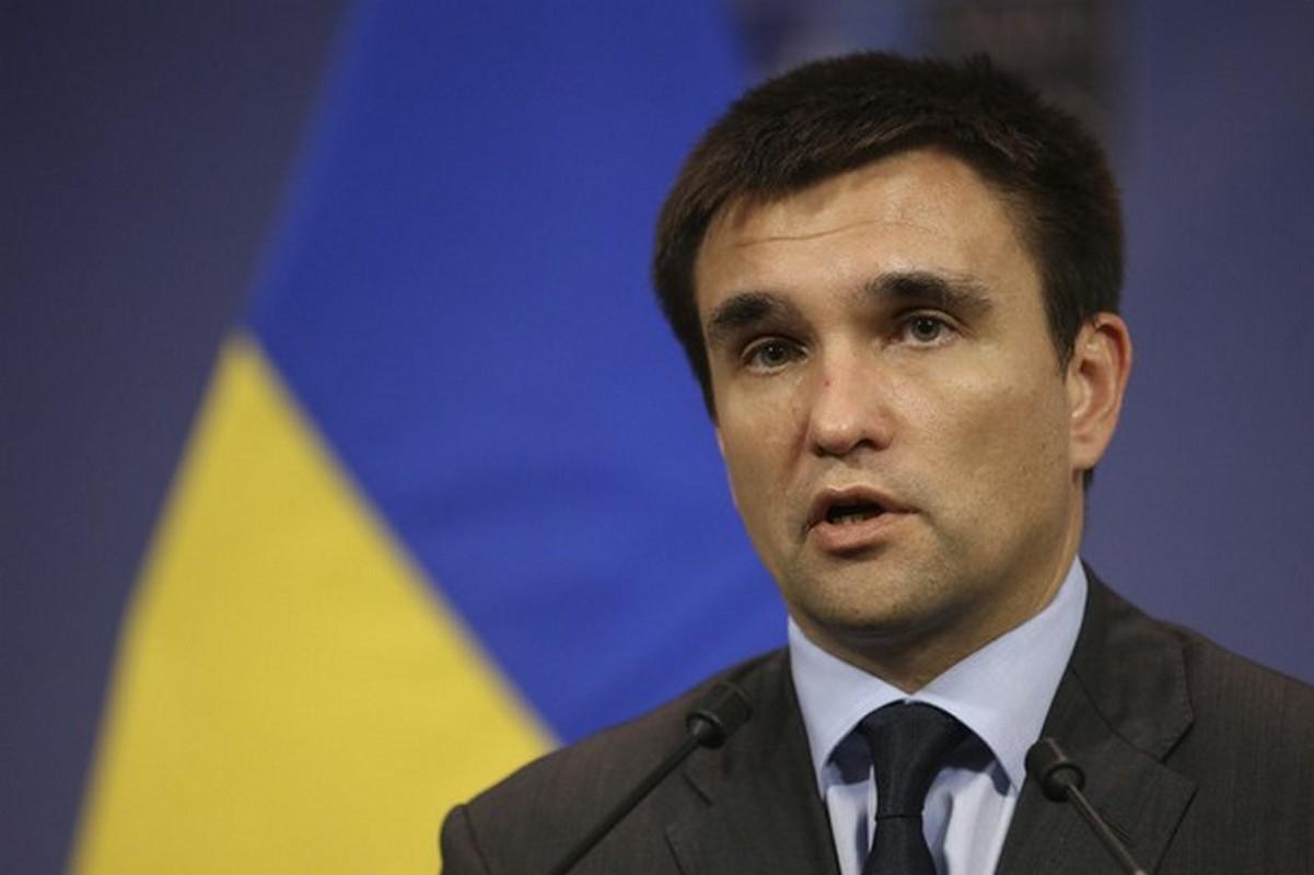 Міністр закордонних справ України Павло Клімкін приїхав в Ужгород і бере участь у засіданні Товариства угорської культури на Закарпатті