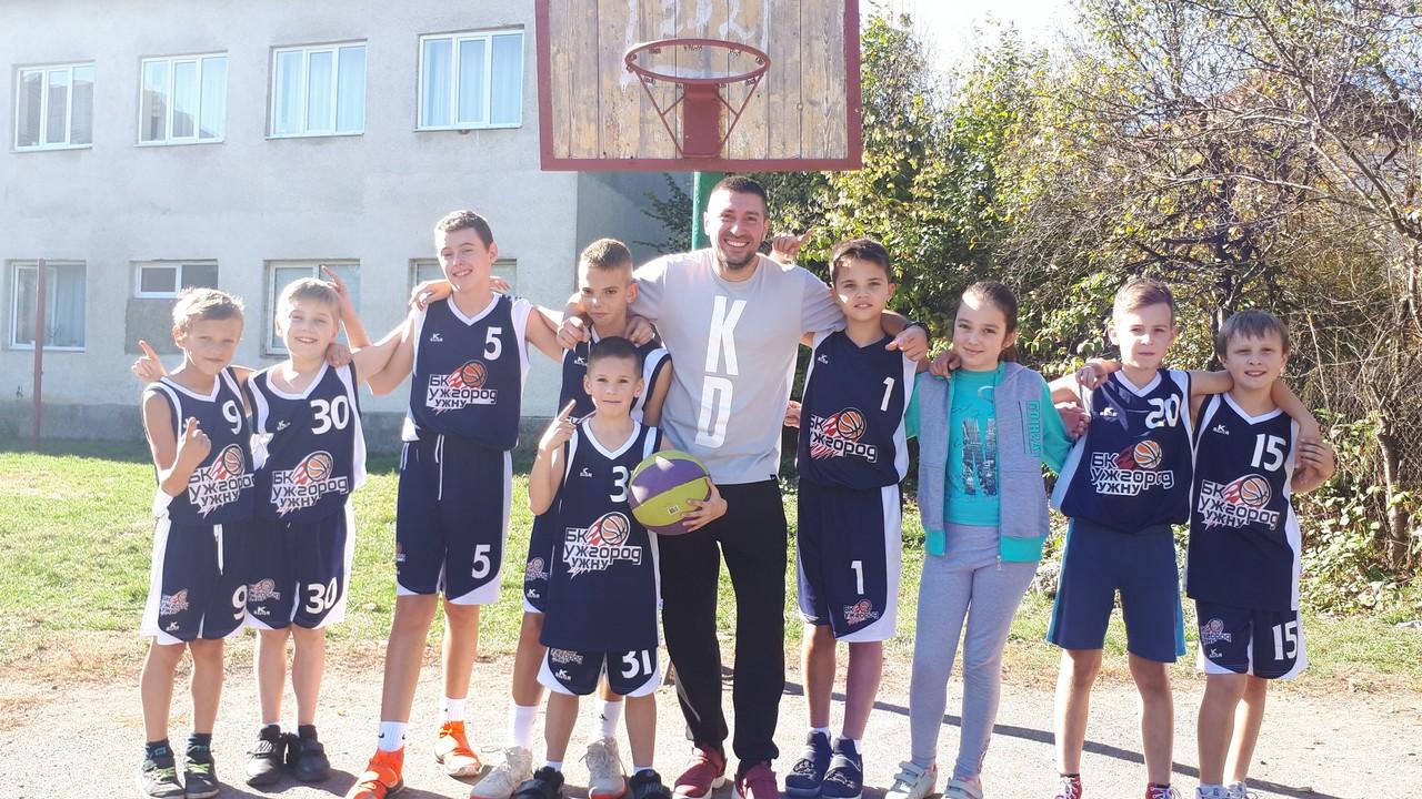 Вихованці ЗОДЮСШ, що в Ужгороді, стали переможцями другого туру дитячої ліги Закарпатської області з баскетболу