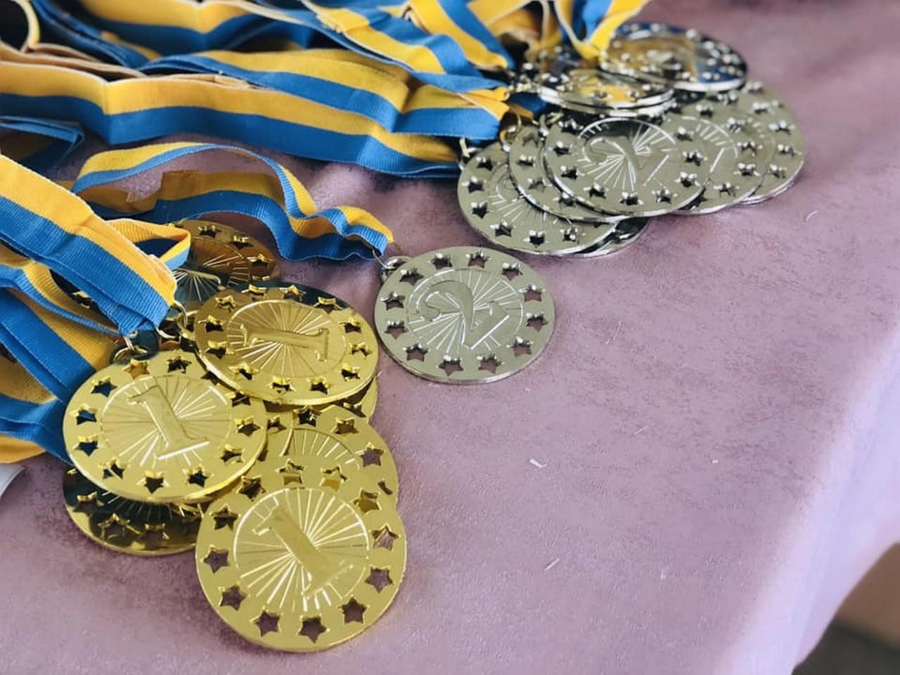 У Мукачеві відбулася відкрита першість з легкої атлетики. Змагалися спортсмени зі Львова, Воловця, Ужгорода, Тячева, Червонограда і Мукачева