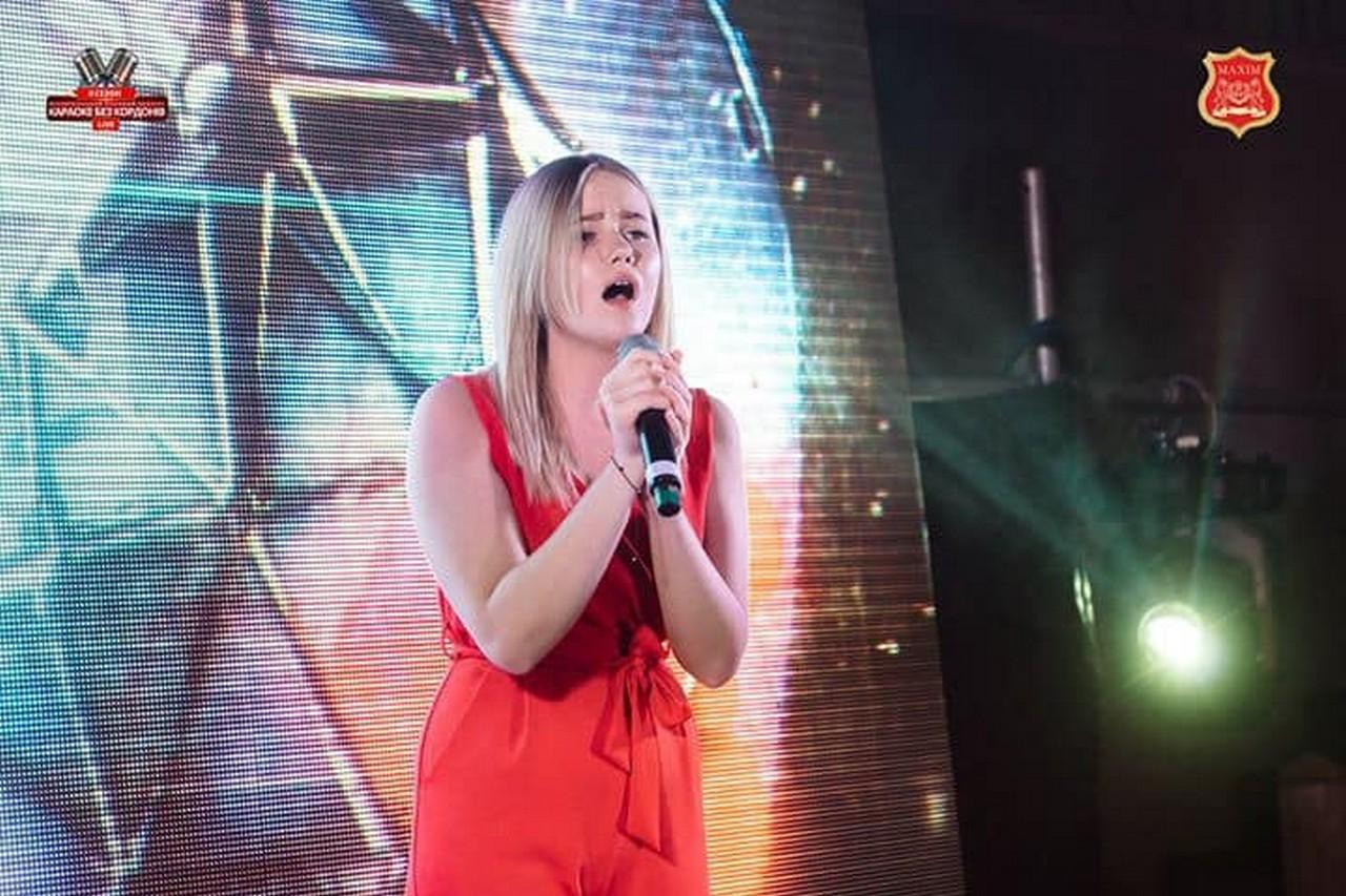 Мукачівська вокалістка Анастасія Балог стала фіналістою відбіркового етапу Караоке Без Кордонів Live