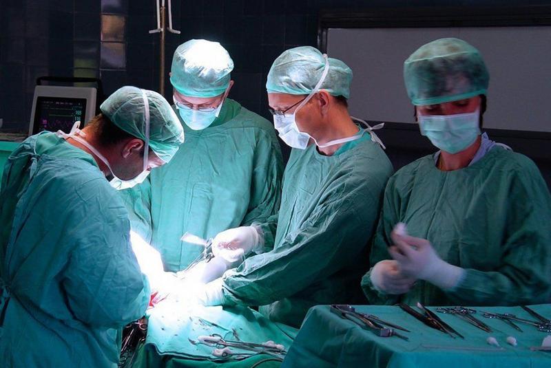 Лікар із Вінниці Сергій Чичуга провів в Ужгороді операцію з фіксації матки новим методом