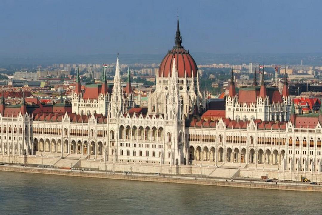 Будапешт подвоїть допомогу угорській меншині на Закарпатті. Угорщина виділить на це 3 мільярди форинтів
