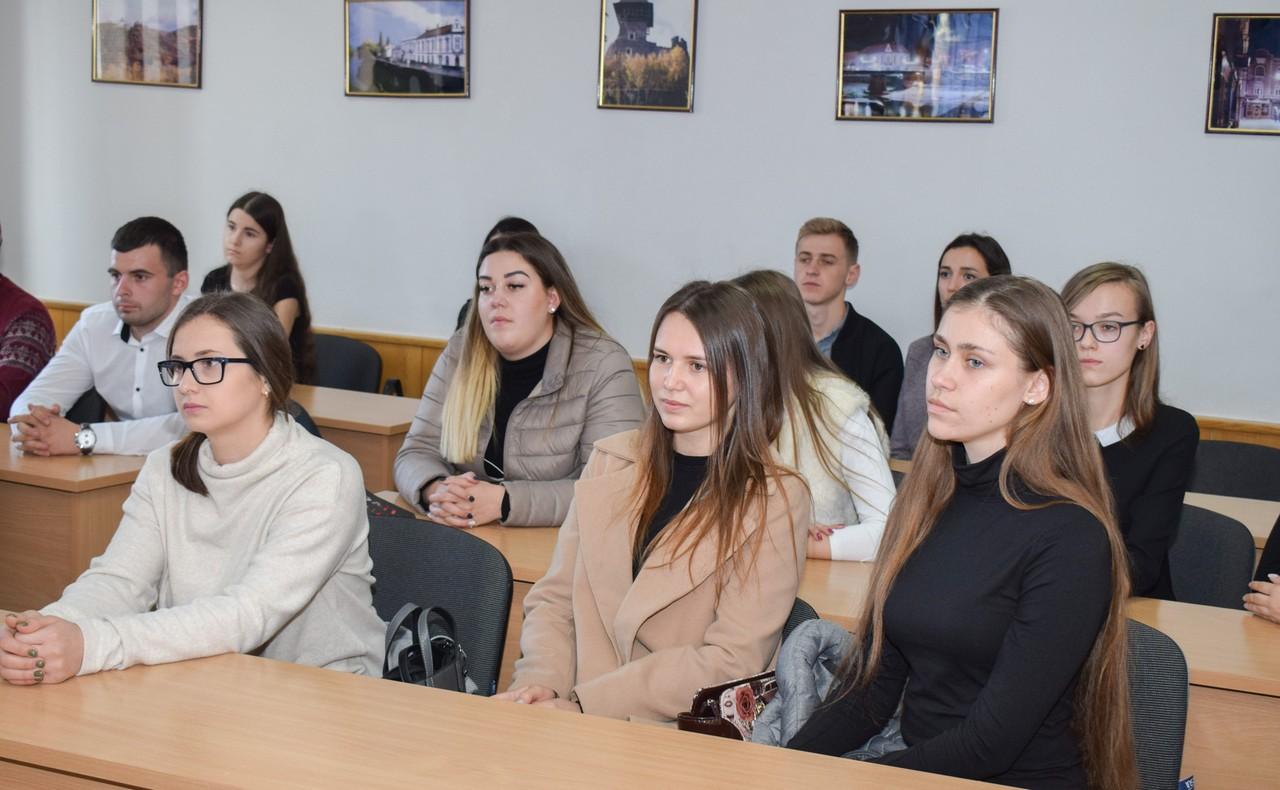19 студентів УжНУ пройшли співбесіду і стажуватимуться в Ужгородській міській раді