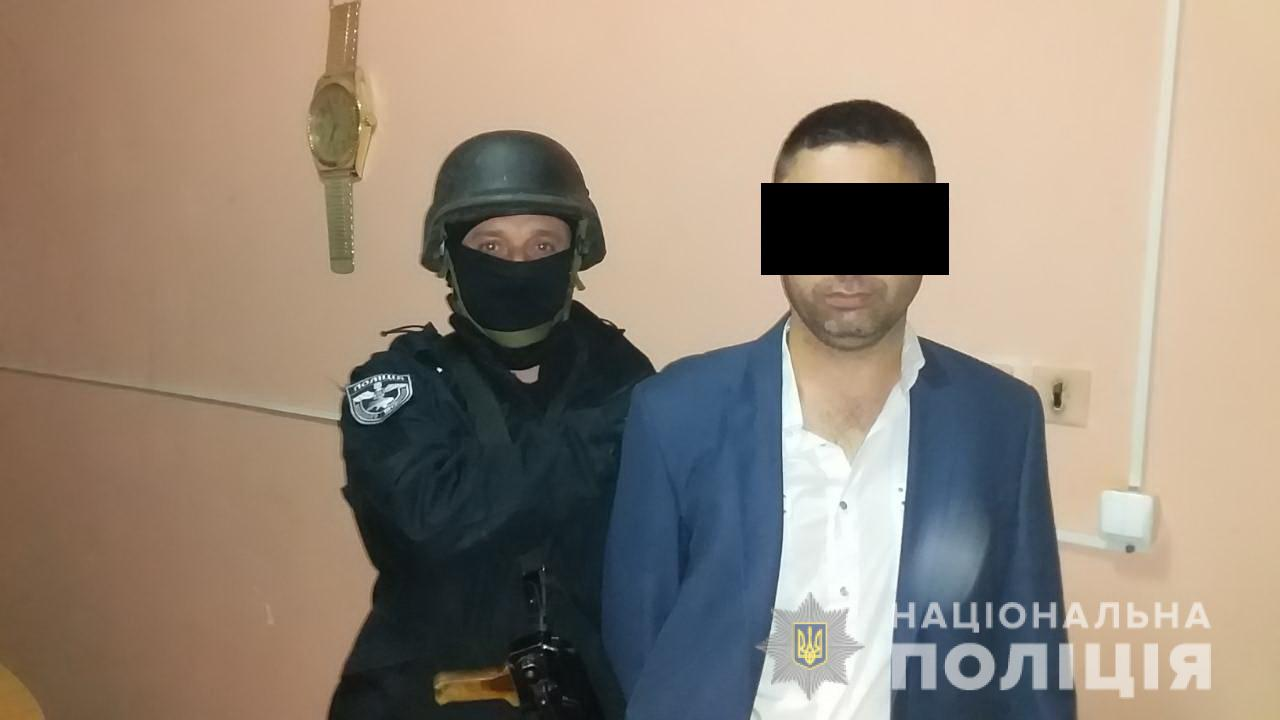 У Королеві на Виноградівщині 35-річний чоловік під час конфлікту стріляв у 36-річного односельця.