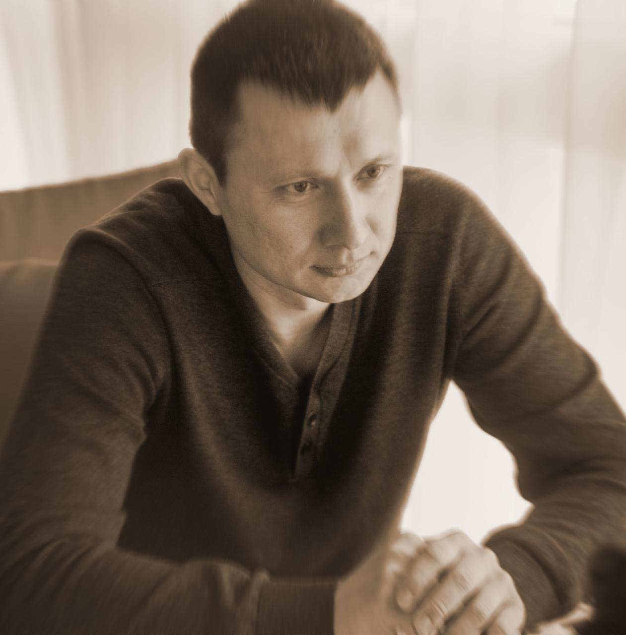 Керівник осередку партії «Основа» в Закарпатті Олексій Сапронов розповів про необхідність зменшення залежності регіонів від центру
