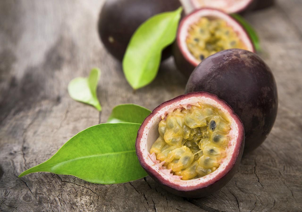Селекціонери на Закарпатті вирощують екзотичні фрукти – ківі, хурму та маракуйю