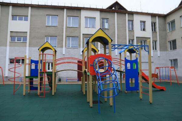 У Мукачеві відкрили ігровий комплекс для школярів