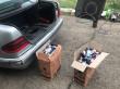 Правоохоронці конфіскували дві автівки, власники яких хотіли перевезти контрабандні сигарети