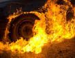 Ввечері загорілася машина: двоє людей отримали опіки