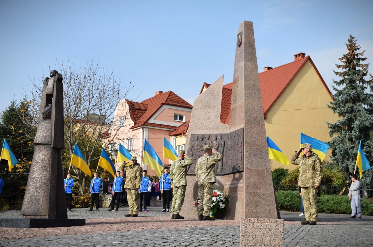1 листопада в Ужгороді на Пагорбі Слави освятили Меморіал загиблим воїнам АТО