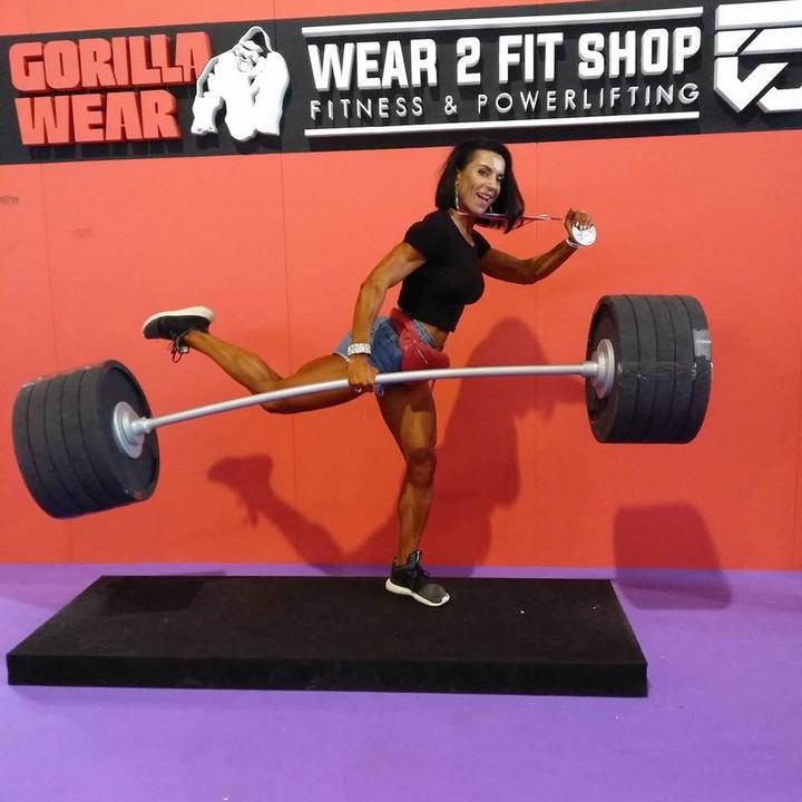 Закарпатка Юлія Гомбош стала чемпіонкою світу з бодібілдингу