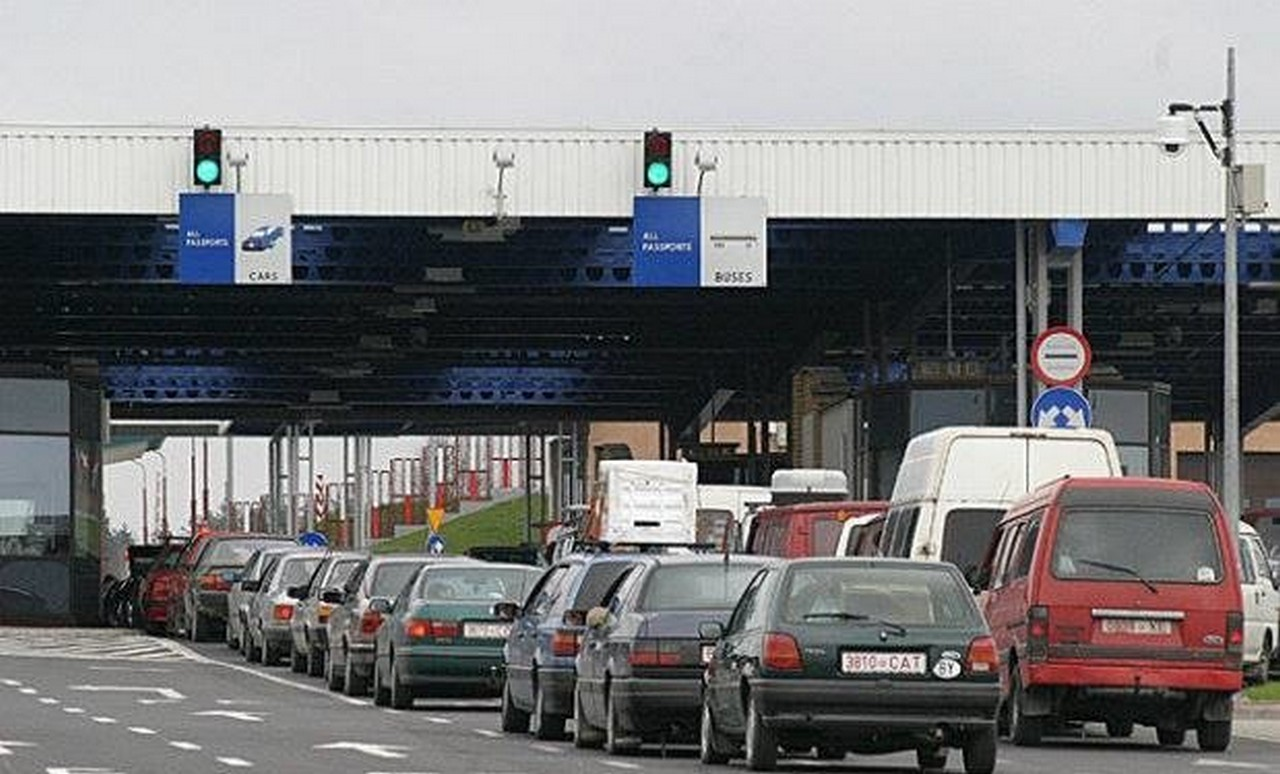 ЄС запроваджує на угорському кордоні систему тестування із залученням детектора брехні