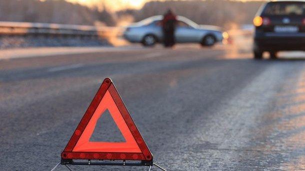 На Івано-Франківщині у селі Яблуниця у результаті ДТП, постраждали хлопець та дві дівчини