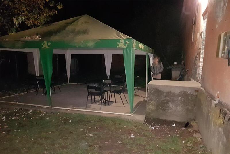 У селищі Великий Бичків, що на Рахівщині, під час бійки в барі вбили 30-річного чоловіка