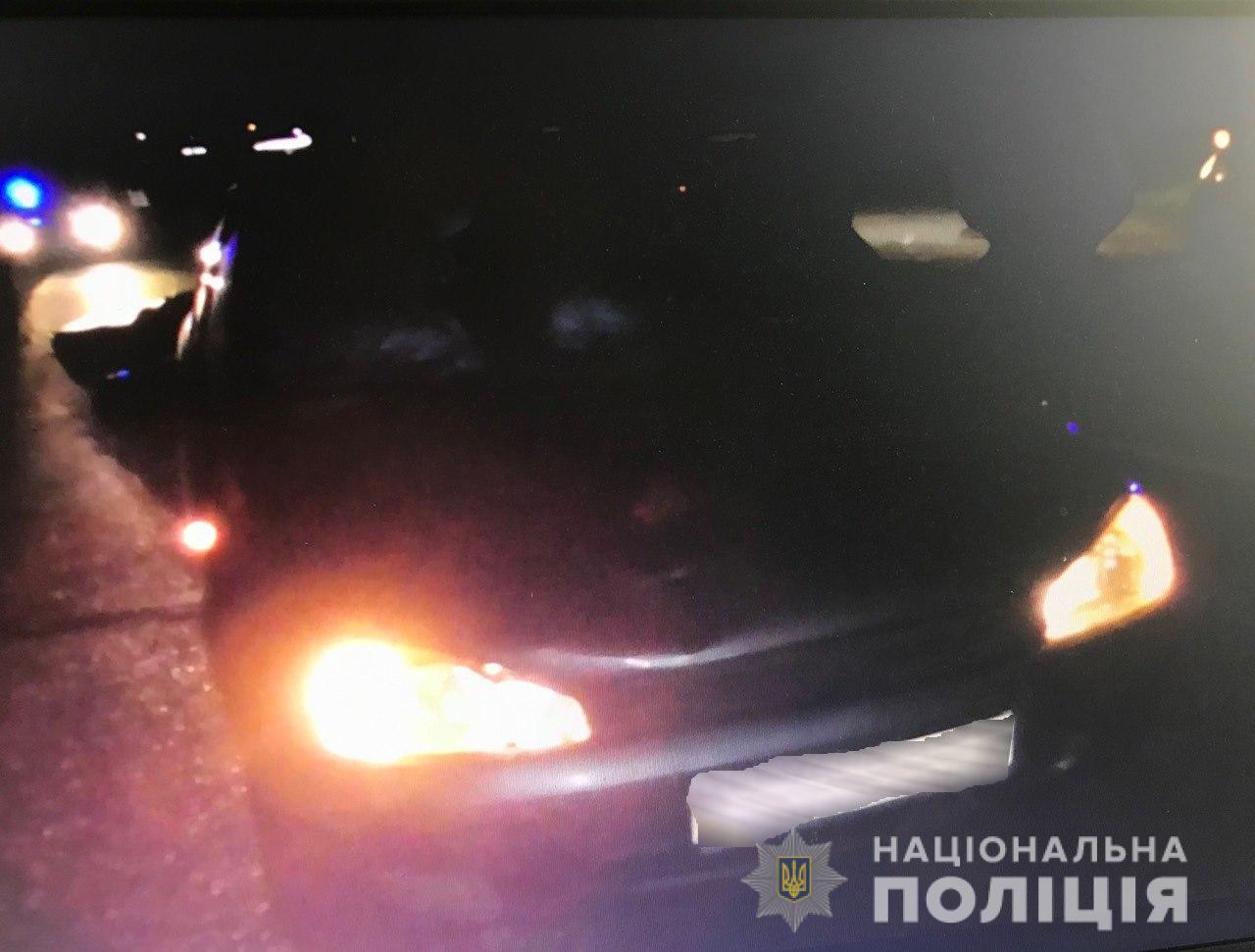 На трасі Київ-Чоп у межах Мукачева сталася смертельна ДТП. Під колесами авто загинув пішохід