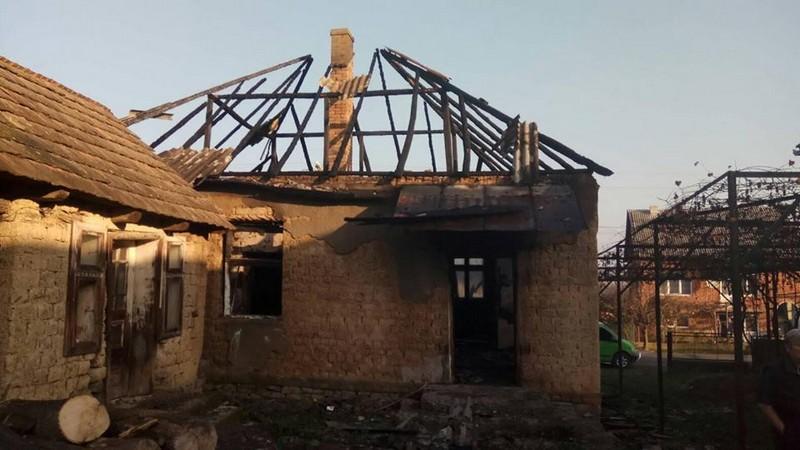 У селі Великі Ком'яти, що в Виноградіському районі, горів будинок. Рятувальники оприлюднили фото