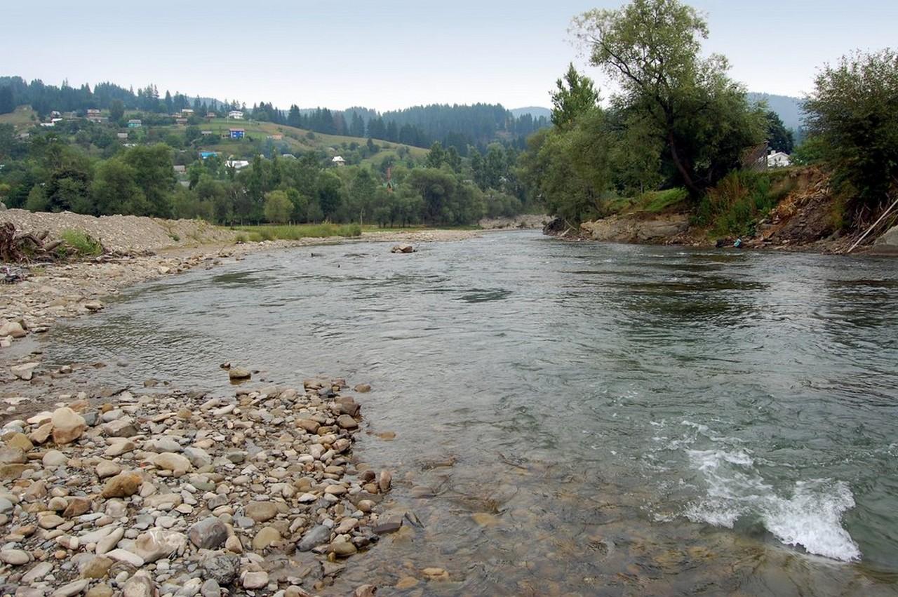 У села Терново, що на Тячівщині, 50 дворогосподарств можуть опинитися під водою
