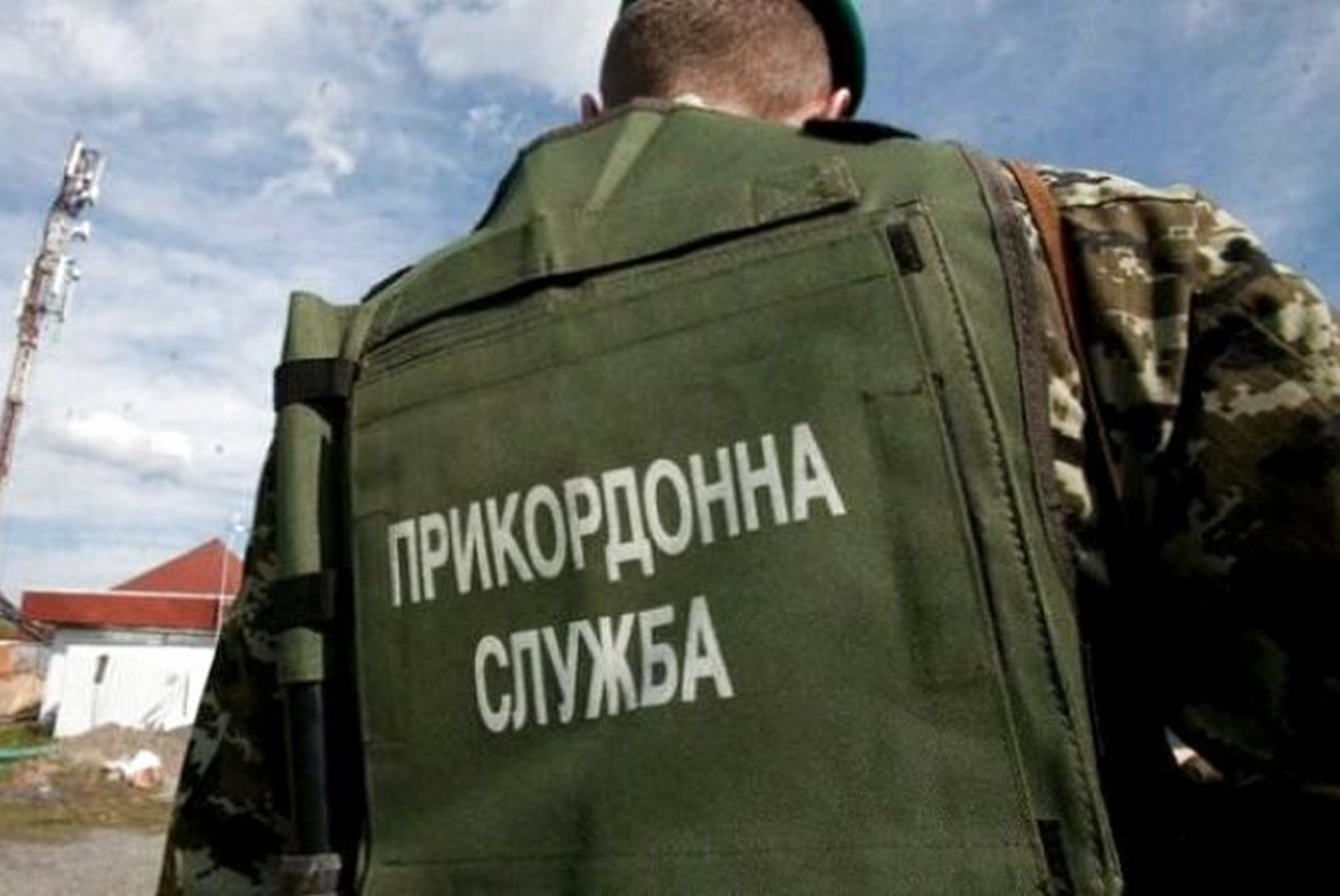Вночі прикордонники Мукачівського загону у пункті пропуску Лужанка затримали нелегала з Таджикистану