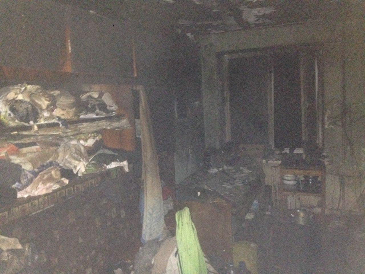 Вночі у Мукачівській ЦРЛ помер мукачівець, якого знайшли рятувальнник під час пожежі у гуртожитку