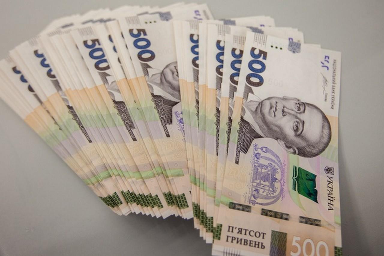 Підприємцю з Мукачева загрожує штраф у розмірі 335 тисяч гривень за нелегальних працівників