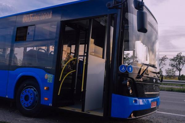 """Нові автобуси марки """"Електрон"""" курсуватимуть за найдовшим маршрутом"""