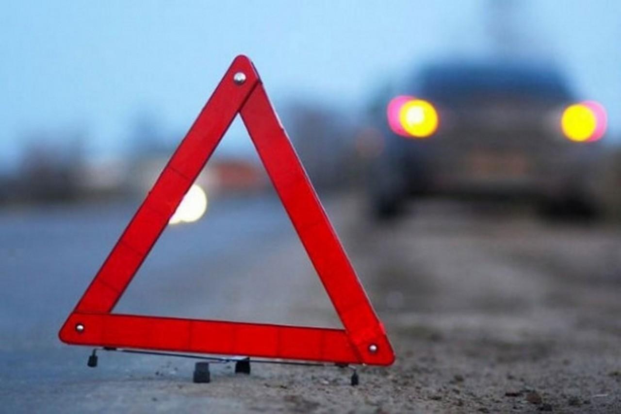 У Львівській області, біля села Мохнате, сім'я із Закарпаття потрапила в аварію