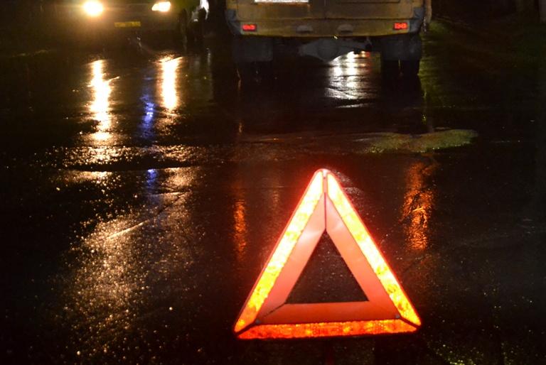 """На трасі """"Київ-Чоп"""" на пішохідному переході у межах Мукачева трапилась ДТП: водій збив жінку"""