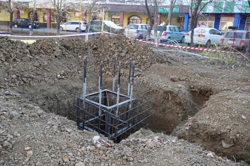"""На території дитсадка """"Ластовічка"""" в Ужгороді встановлюють модульну мобільну котельню"""