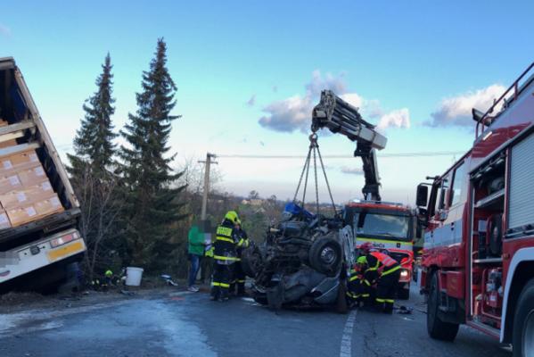 Закарпатці не можуть поховати рідних, які загинули у страшній аварії у Чехії