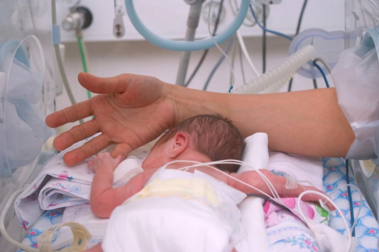 На Закарпатті кожне 20 немовля з'являється на світ недоношеним