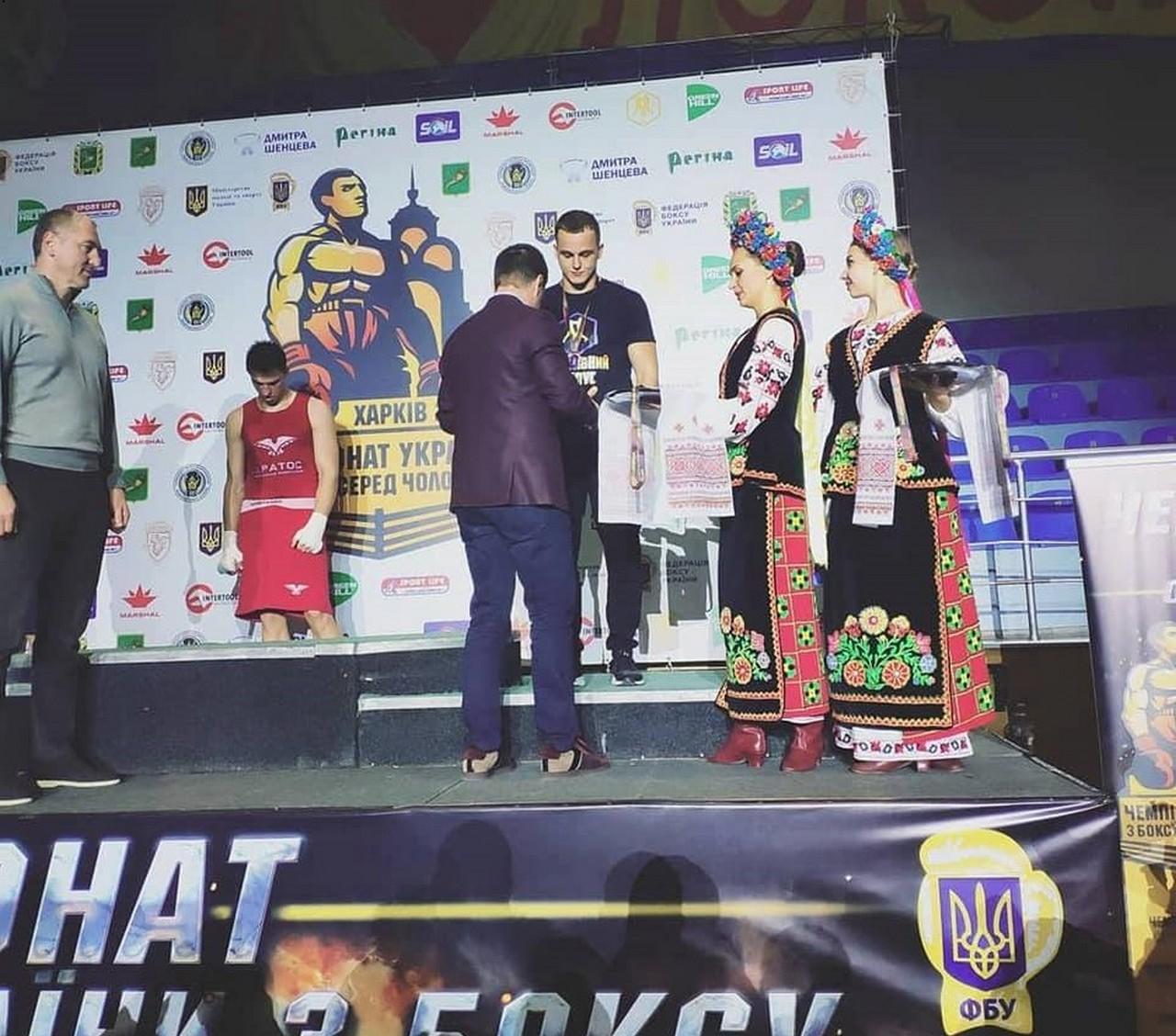 Боксер із Мукачева Роберт Мартон став бронзовим призером на Чемпіонаті України серед чоловіків