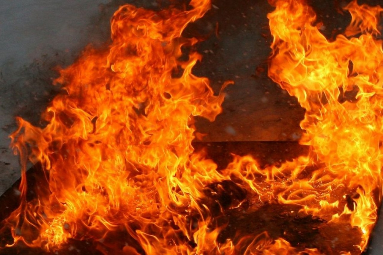 Вночі у Виноградові згорів живцем 35-річний чоловік