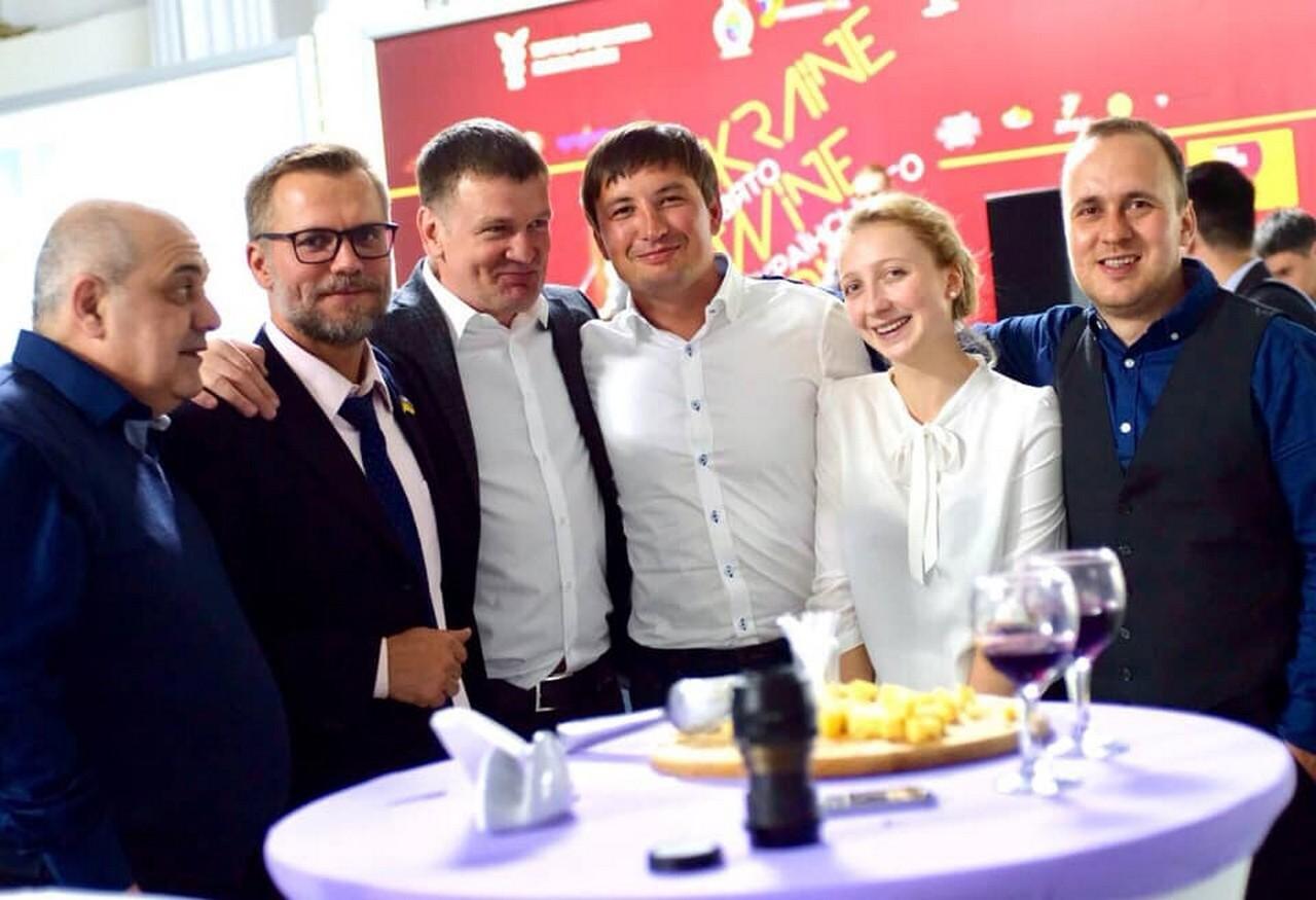 Перший в Україні малий винороб Георгій Молчанов отримав ліцензію на виробництво за новою спрощеною процедурою