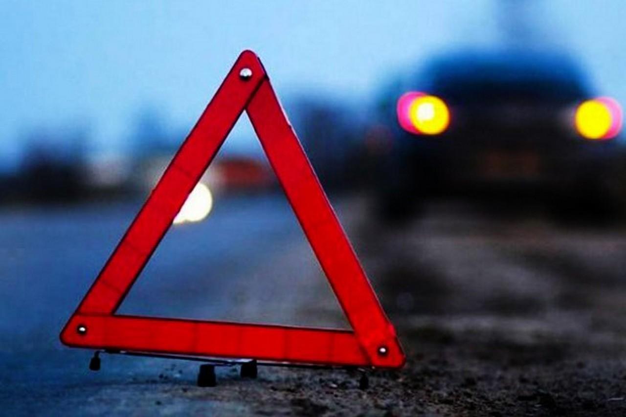 На Мукачівщині зіткнулися Mitsubishi Pajero та Mercedes Sprinter. Одне авто перекинулося на дах