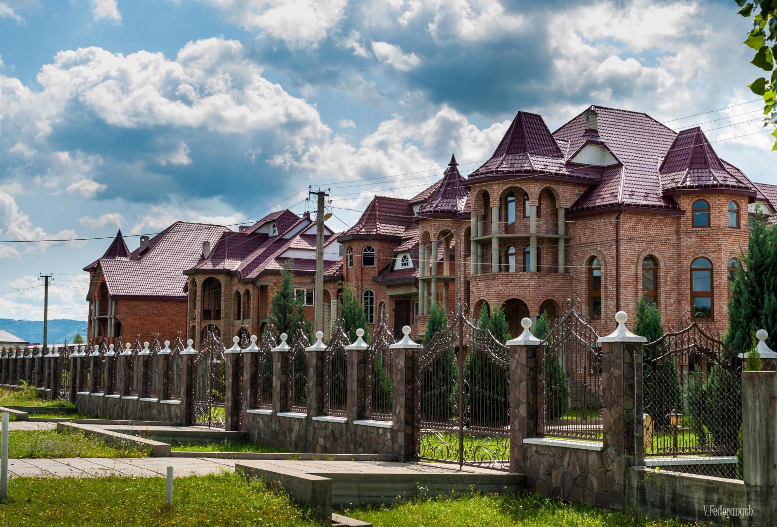 Румуни Закарпаття: традиції, співи, колорит та музей у Нижній Апші