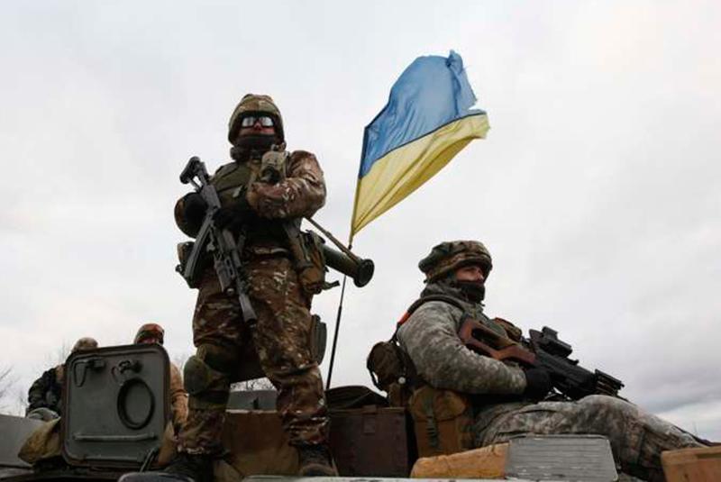 У 10 областях України вводять воєнний стан на 30 днів