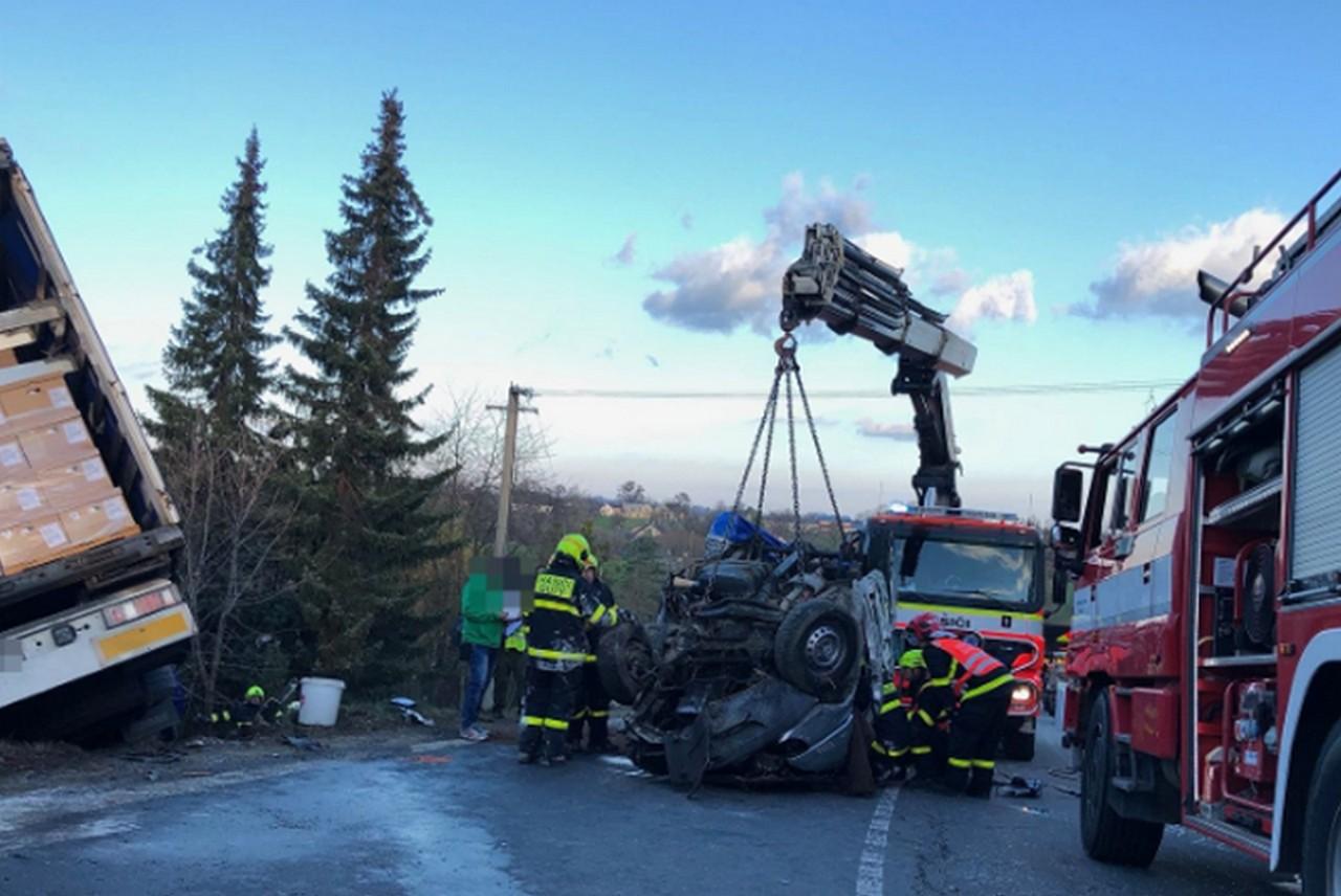 22-річного хлопця витягнули з-під уламків мікроавтобусу: як заробітчанин вижив у моторошній аварії в Чехії