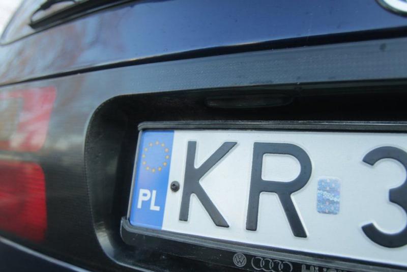 """З чого ж починати реєстрацію """"євробляхи"""", куди йти, скільки платити, і що робити тим, хто дійсно заїхав в Україну транзитом?"""