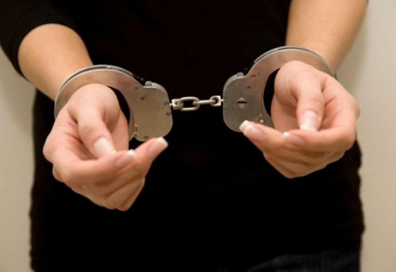 22-річна дівчина збувала у Хусті наркотики